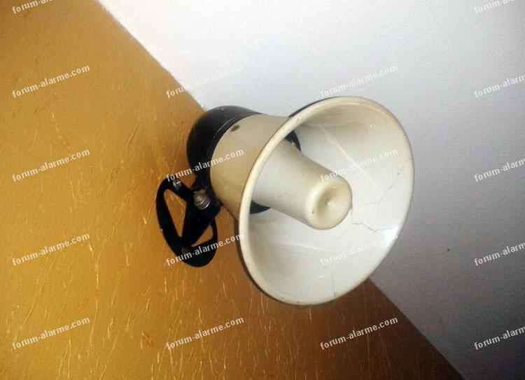 ajoutersirenes sur centrale d alarme filaire 01