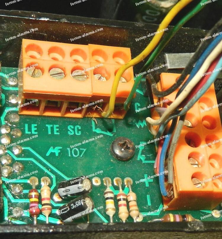 Brancher détecteur infrarouge et sirène